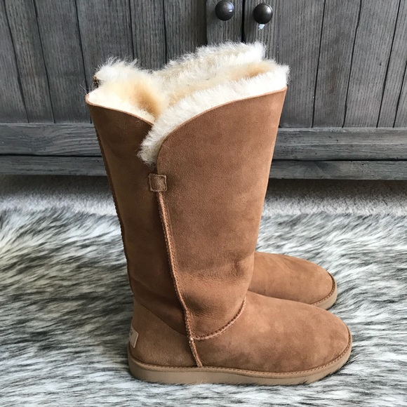 a2eb083be44 ✨Women's UGG Classic Cuff Tall Boots in Chestnut✨